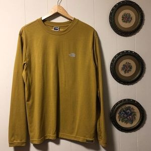THE NORTH FACE long sleeved tee 💛